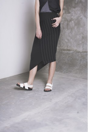 ERI SKIRT BLACK/ BLACK STRIPES