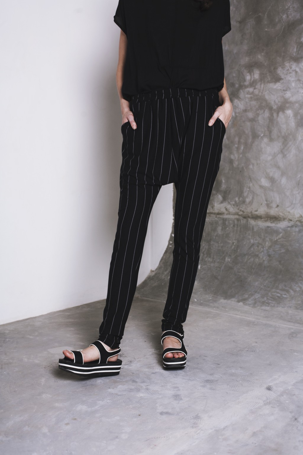 RIKA PANT BLACK STRIPES