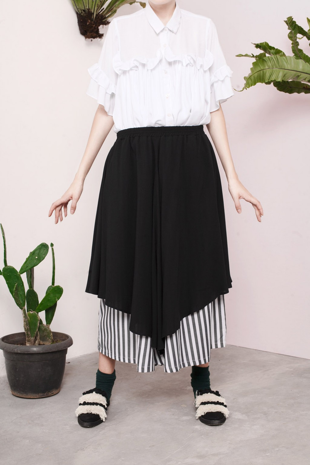 IRIS PANTS BLACK / WHITE STRIPES