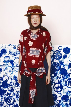 TERA TOP RED MOTIF