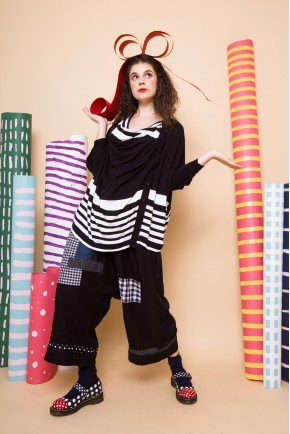 SACHI TOP BLACK STRIPES