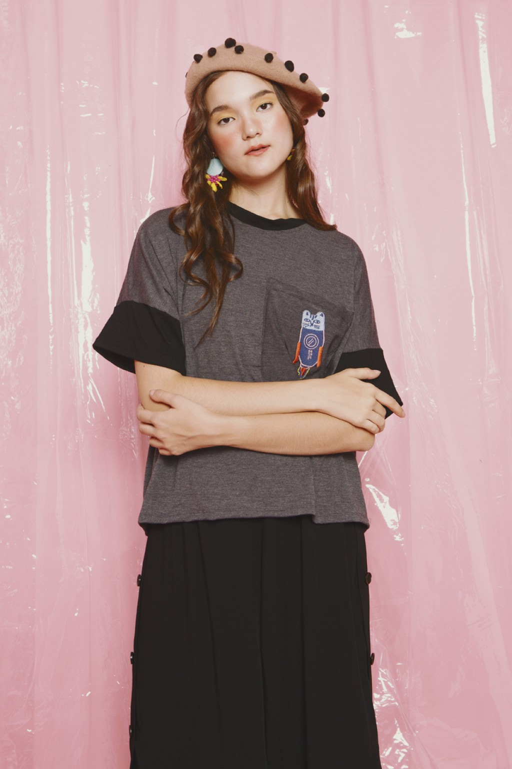 MILKY TEE DARK GREY