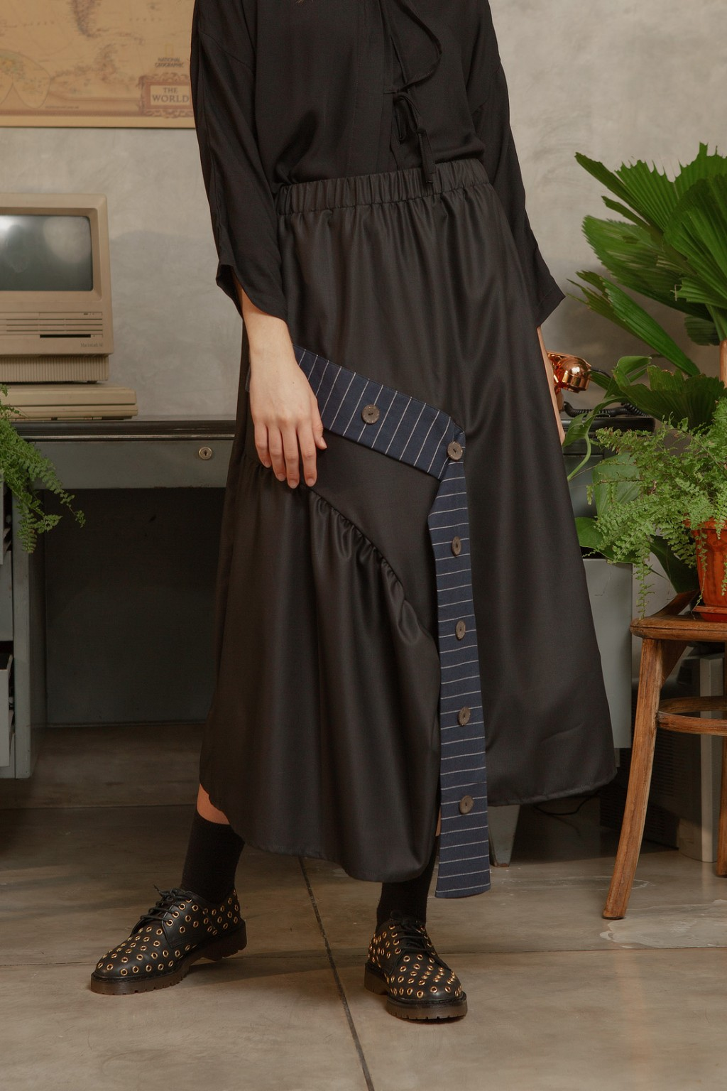 MISO SKIRT BLACK / NAVY STRIPES